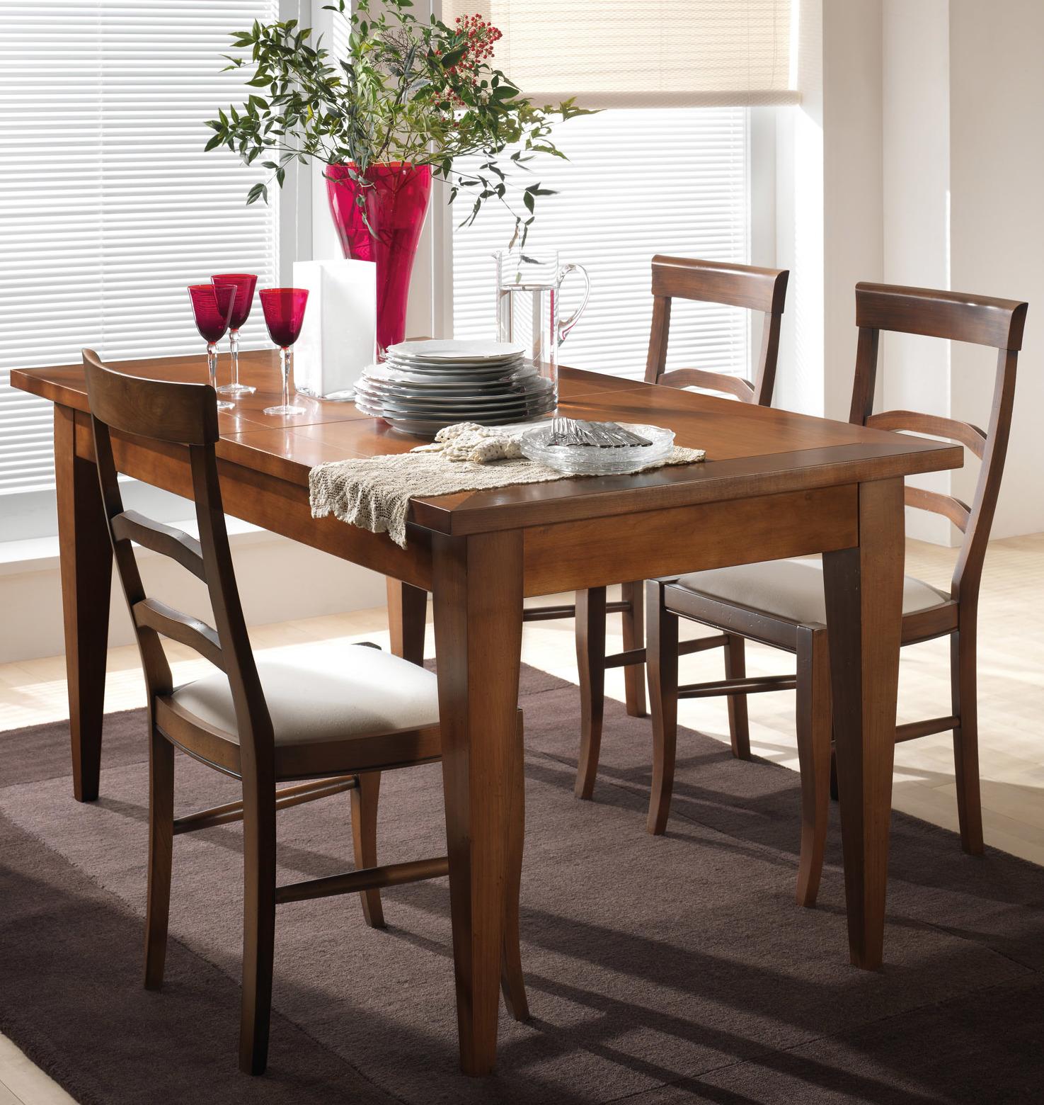 Sedie e tavoli da cucina
